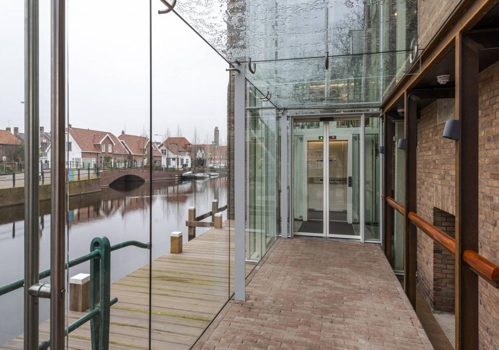 Glazen lift Raadshuis Aalsmeer